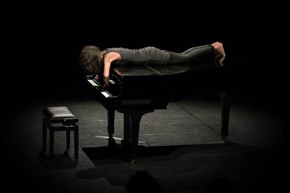 SOLO PIANO CON DONNA #1